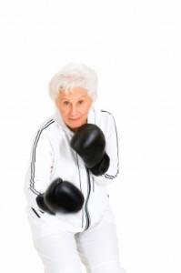grand-mère se défendre
