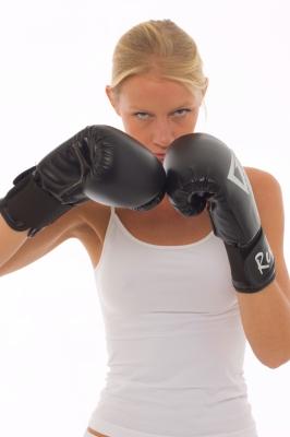 200 techniques pour se défendre quand on est une femme