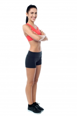 femme debout musclee