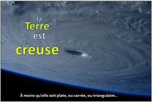 terre creuse theorie complot